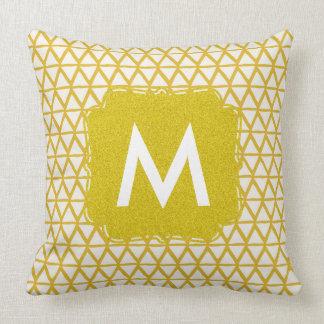 Almohada del oro del monograma personalizada con