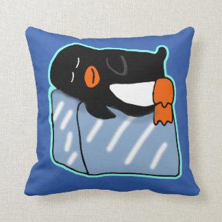 Almohada del pingüino el dormir