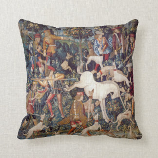 Almohada del unicornio de la caza de la impresión