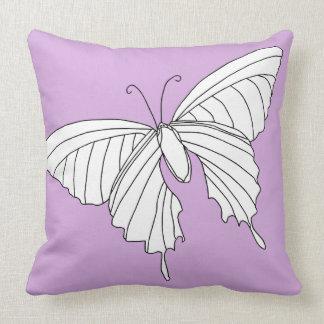 Almohada femenina de la decoración de la mariposa