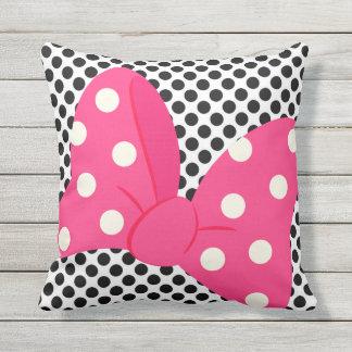 Almohada femenina rosada