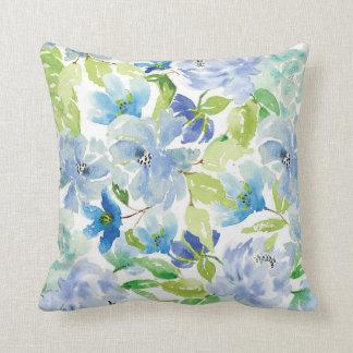Almohada floral de la acuarela azul y verde