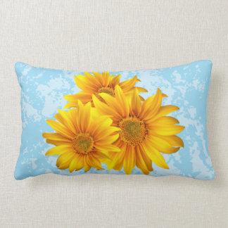 Almohada floral de la flor del cielo azul del