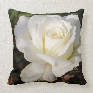 Almohada floral romántica de la decoración del