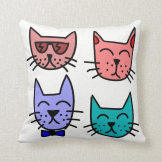 Almohada fresca de cuatro gatos