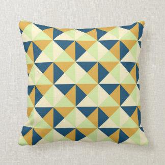Almohada geométrica de los triángulos de la marina