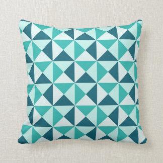 Almohada geométrica de los triángulos de los