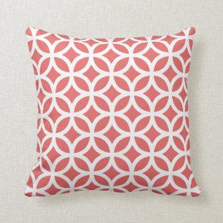 Almohada geométrica moderna roja de Pimienta