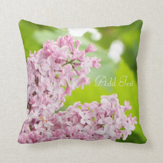 Almohada hermosa de la lila