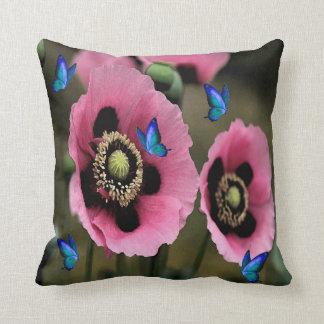 Almohada hermosa de las flores y de las mariposas