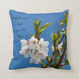 Almohada hermosa del flor de la primavera