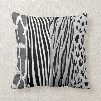 Almohada impresa animal blanco y negro de la raya