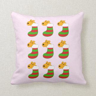 Almohada linda de las medias del navidad de los