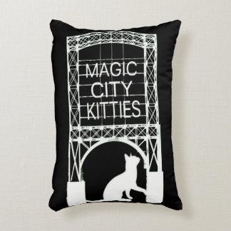 Almohada mágica del acento de los gatitos de la