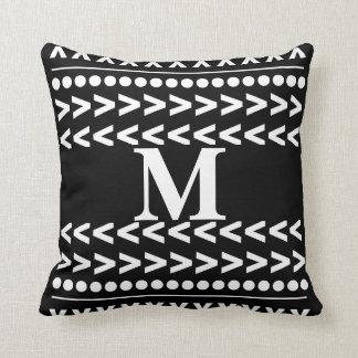 almohada moderna geométrica del modelo abstracto