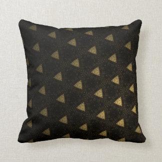 Almohada negra y beige decorativa del algodón