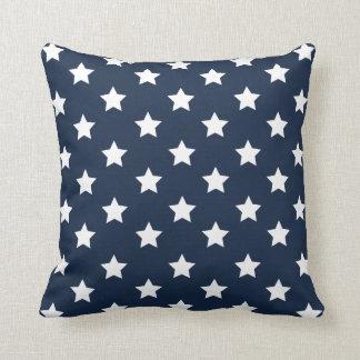 Almohada patriótica de las estrellas blancas y