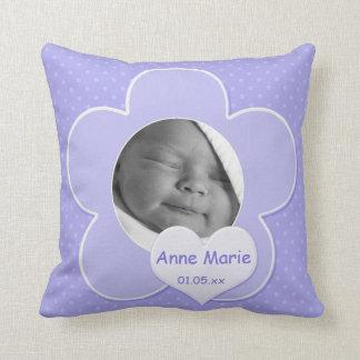 Almohada púrpura enorme de la foto del bebé del lu