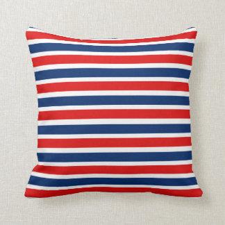 Almohada rayada blanca y azul roja