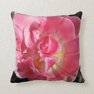 Almohada rosada de la flor
