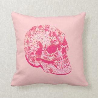 almohada rosada del cráneo del azúcar del cordón