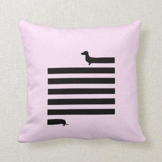 Almohada rosada del cuadrado de la silueta del