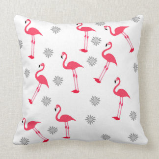 almohada rosada y blanca linda del diseño del