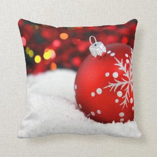 Almohadas de tiro del navidad con las decoraciones