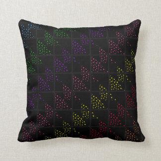 Almohadas negras manchadas coloreadas de los