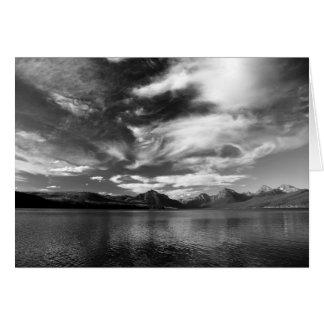 Altas nubes de la tarde sobre el lago McDonald Tarjeta De Felicitación