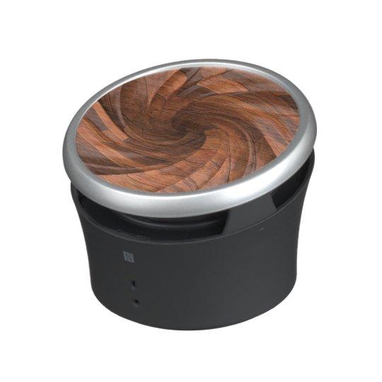 Altavoz de madera dividido en segmentos del