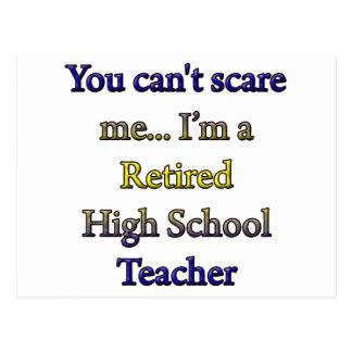 Alto profesor de escuela jubilado postal