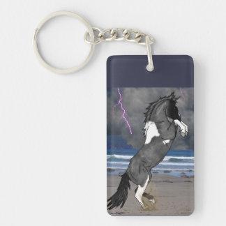 Alzar el caballo de la pintura llavero rectangular acrílico a una cara