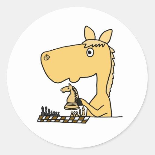 b4 - Orangutan, Sokolsky o Polaca  Am_caballo_que_juega_el_dibujo_animado_del_ajedrez_pegatina-re17a1c29b8c24f51a0420192c5725440_v9waf_8byvr_512