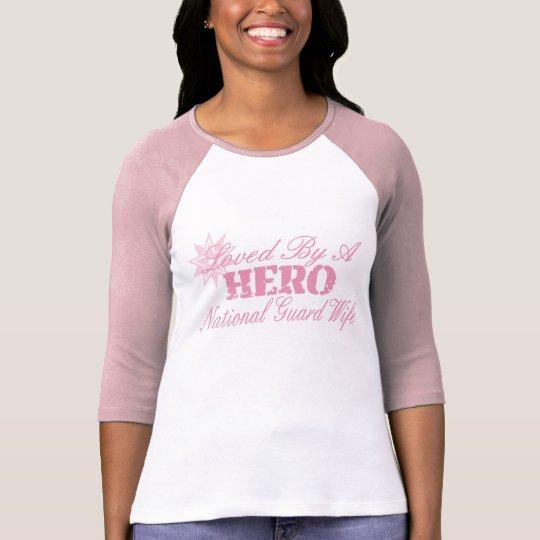 Amado por un HÉROE (Guardia Nacional) Camiseta