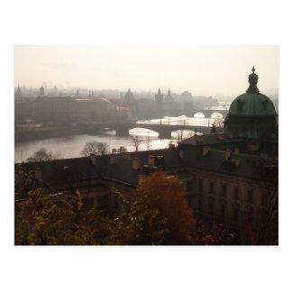 Amanecer en la postal de Praga