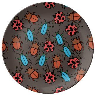 Amante del insecto del modelo de los escarabajos y plato de cerámica