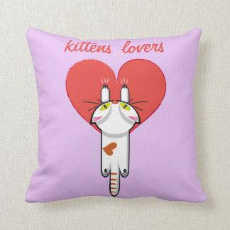 Amantes de los gatitos cojín decorativo