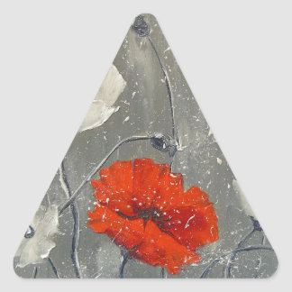 Amapolas blancas y rojas pegatina triangular