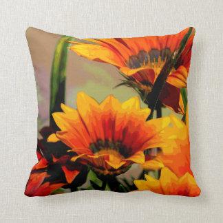 Amarillo anaranjado floral cojín decorativo