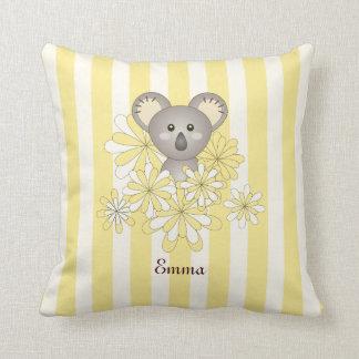Amarillo animal del nombre del sitio de los niños cojín decorativo