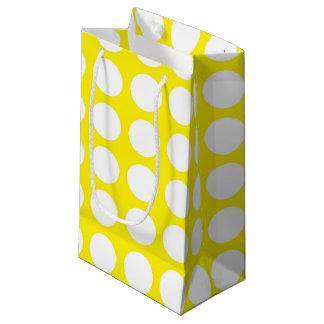 Amarillo blanco de los lunares bolsa de regalo pequeña