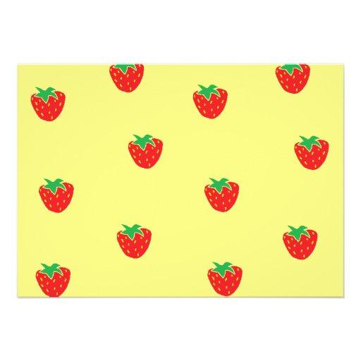 Amarillo de las fresas invitaciones personalizada