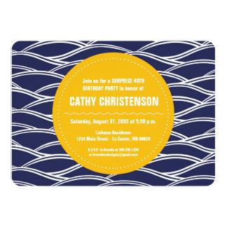 Amarillo de oro con el fiesta de las ondas de la invitación 12,7 x 17,8 cm