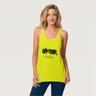 Amarillo fresco de la camisa