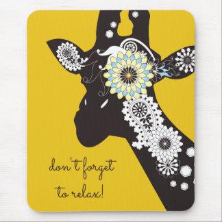 Amarillo fresco enrrollado de la jirafa de Paisley Alfombrilla De Ratón