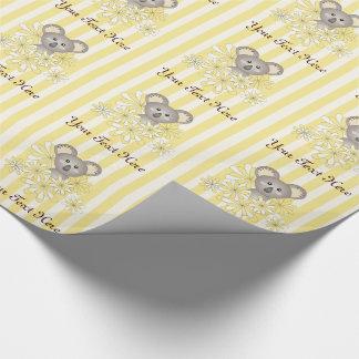 Amarillo neutral del cumpleaños de los niños de la papel de regalo
