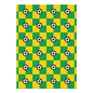 Amarillo verde a cuadros con los balones de fútbol anuncios