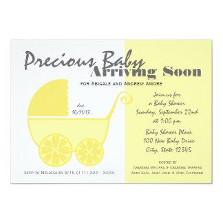 Amarillo y gris del carro de bebé invitación 12,7 x 17,8 cm