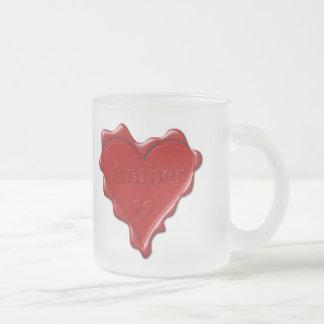 Ambarino. Sello rojo de la cera del corazón con el Taza De Cristal Esmerilado